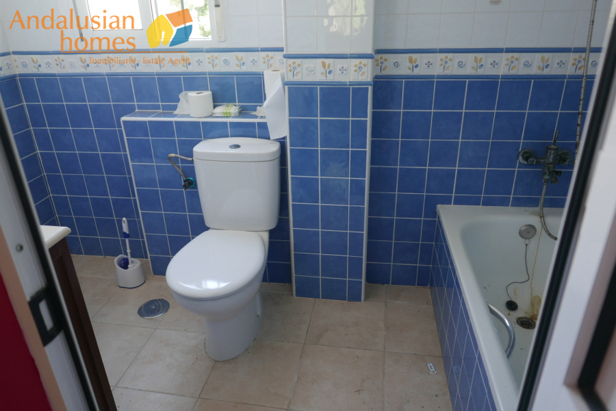 5 BathroomsBathrooms,Commercial,For sale,1452